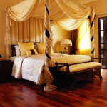dormitorio de matrimonio clásico con parquet