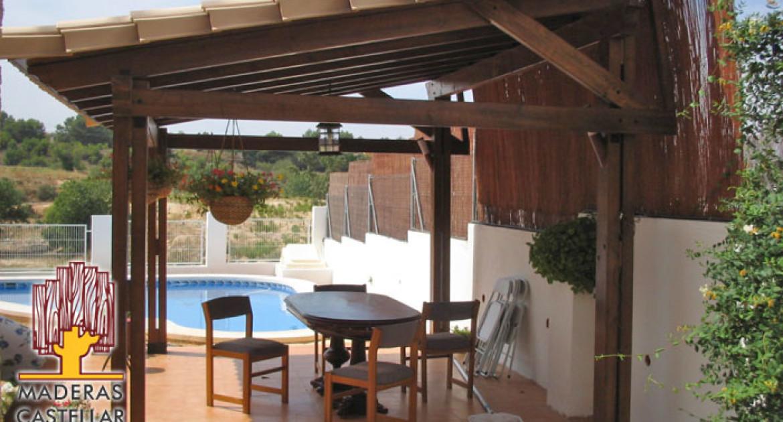 pérgolas de madera en terraza
