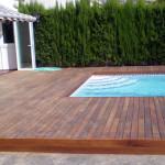 tarima IPE en chalet con piscina