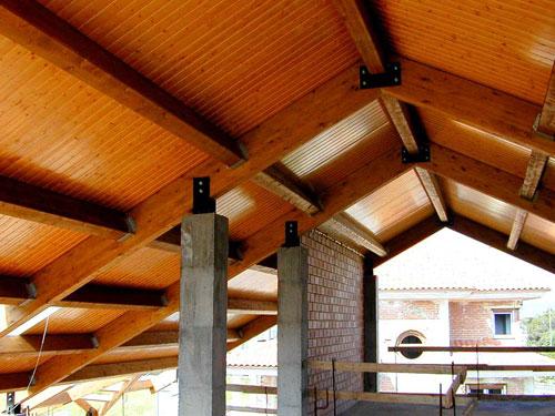 Vigas de madera maderascastellar for Vigas de madera para jardin
