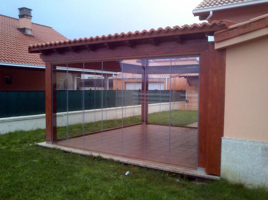 Sistemglass cerramientos y cortinas de cristal puertas - Porches de madera cerrados ...