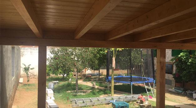 porche de madera jardin